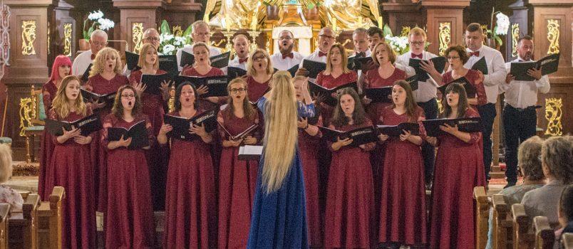 Chór DEO CANTAMUS w ramach Niedzieli z muzyką