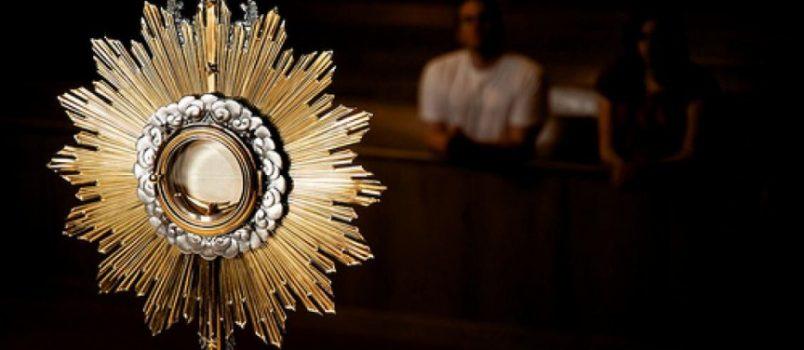 Całonocna adoracja Najświętszego Sakramentu z soboty na niedzielę